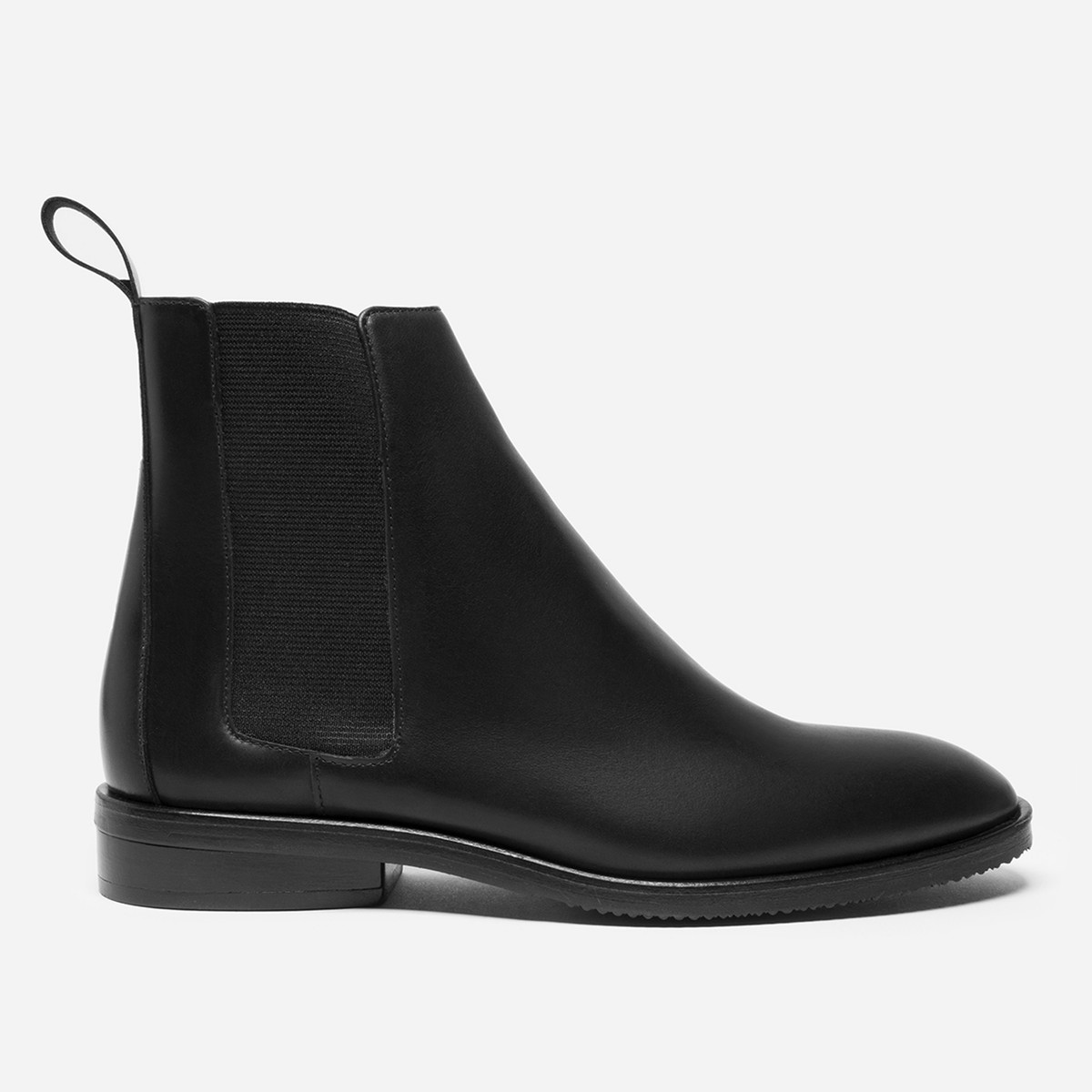 Fashion blogger Diana Pearl of Pearl Girl shares why I love Everlane with the Everlane Modern Chelsea Boot